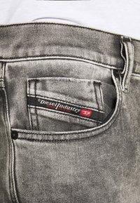 Diesel - D-STRUKT - Jeans fuselé - grey - 4