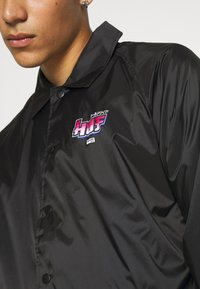 HUF - CHUN-LI & CAMMY COACH JACKET - Summer jacket - black - 4
