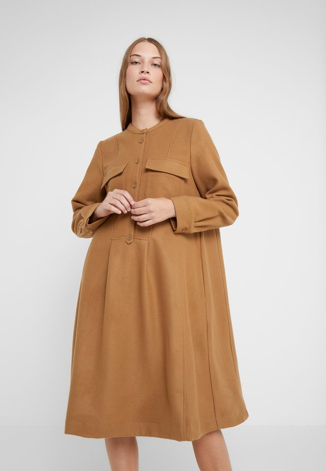 PAULA - Shirt dress - camel