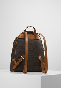 MICHAEL Michael Kors - RHEA ZIP BACK PACK - Reppu - brown - 2