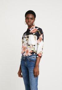 Mavi - Button-down blouse - antique white chain flower print - 0