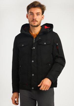 MIT GROSSEN PATTENTASCHEN - Down jacket - black