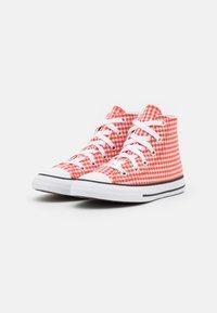 Converse - CHUCK TAYLOR ALL STAR GINGHAM UNISEX - Zapatillas altas - bright poppy/white/black - 1