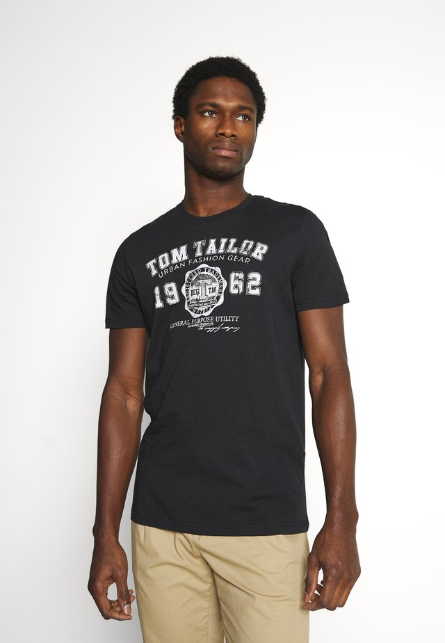 LOGO TEE - T-shirt z nadrukiem - almost black