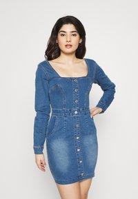 Missguided Petite - LONG SLEEVE SQUARE NECK STRETCH DRESS MID WASH - Sukienka jeansowa - blue - 0