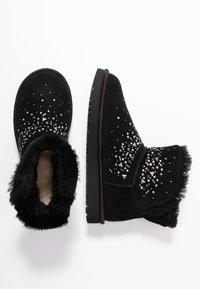 UGG - CLASSIC GALAXY BLING MINI - Boots à talons - black - 3