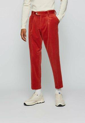 PERIN PLEAT - Pantaloni - red