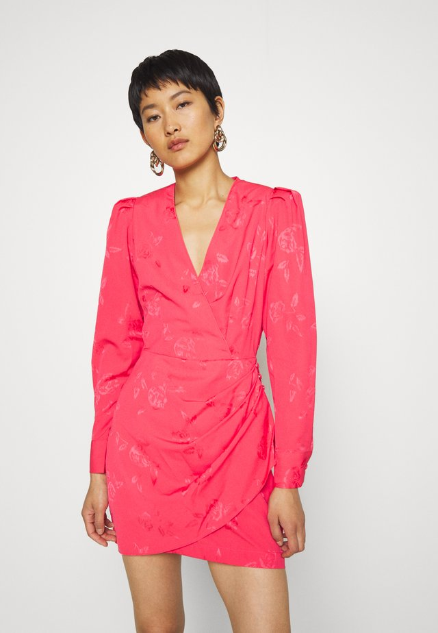 YVONNE CRAS DRESS - Shift dress - paradise pink