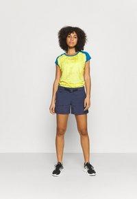 La Sportiva - CORE - T-shirt con stampa - celery/neptune - 1