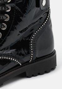 Zadig & Voltaire - JOE WRINKLE  - Lace-up ankle boots - noir - 4