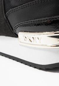 DKNY - MARLI - Nazouvací boty - black - 2