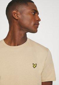 Lyle & Scott - T-shirt - bas - sand storm - 5