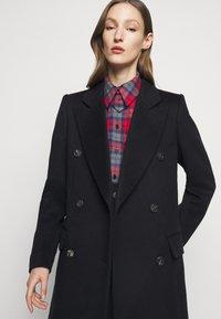 Victoria Beckham - DOUBLE BREASTED TAILORED COAT - Klasický kabát - navy - 3