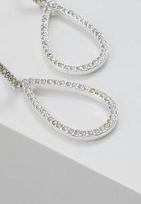 Pilgrim - EARRINGS DELIA - Earrings - silver-coloured - 4