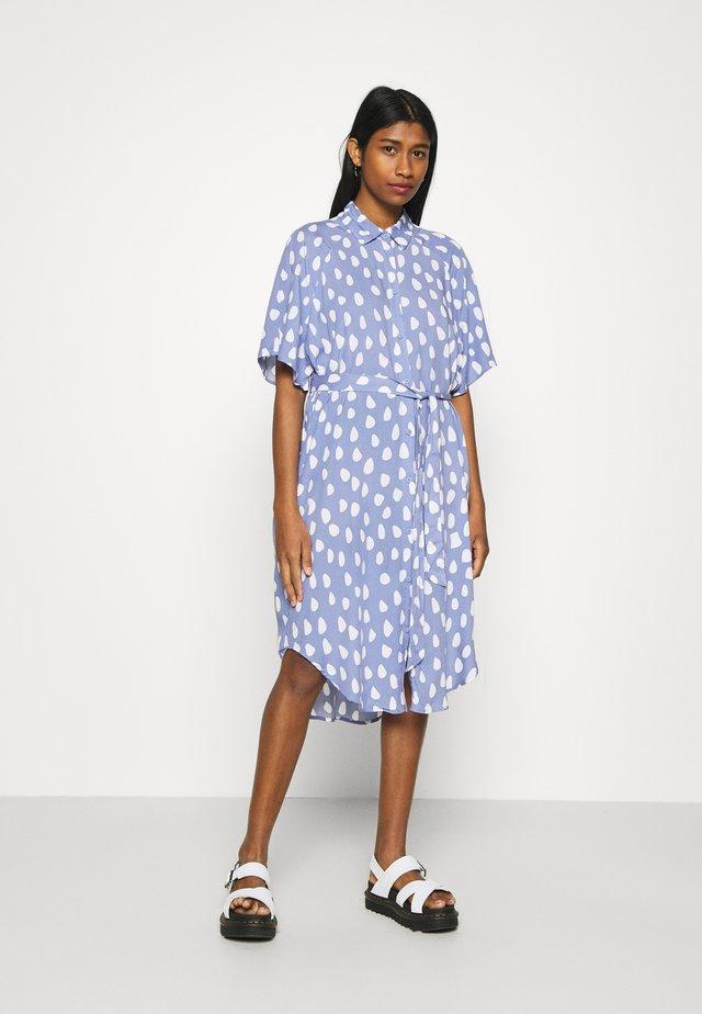 MIMMI DRESS - Paitamekko - blue/white