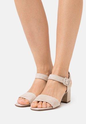 PEORIA - Sandals - sand