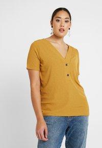ONLY Carmakoma - CARHELENE - Camiseta básica - harvest gold - 0