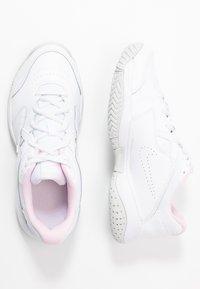 Nike Performance - COURT LITE 2 - Buty tenisowe uniwersalne - white/photon dust/pink - 0