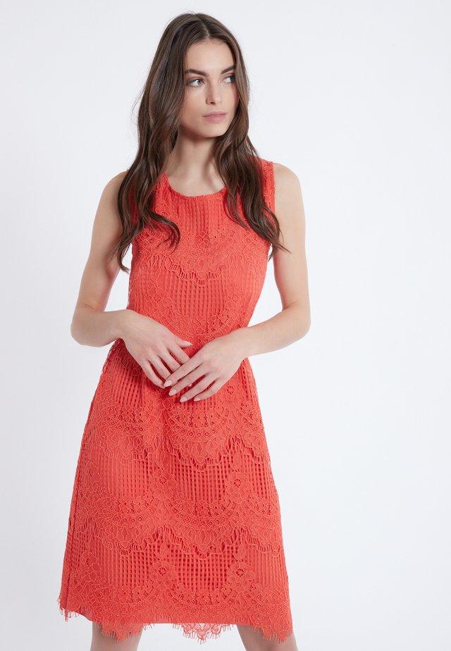 AFINE - Korte jurk - rot