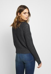 American Eagle - CROPPED SLOUCHY TEXTURE CARDIGAN - Vest - charcoal - 2