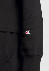 Champion - HOODED CROP LEGACY - Mikina s kapucí - black - 4