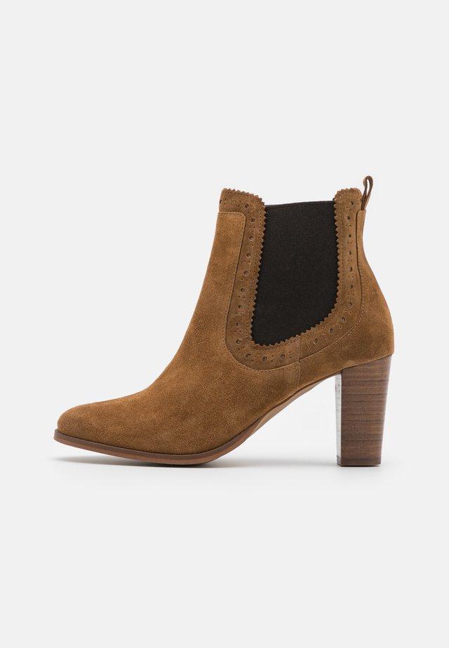 MAYEAL - Kotníkové boty - cannelle