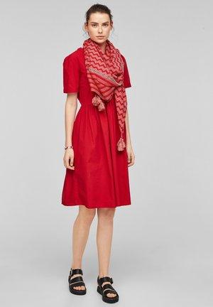 Foulard - red zic zac stripes