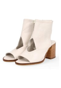 MJUS - Ankle cuff sandals - panna - 2