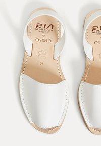 OYSHO - WHITE RIA MENORCA  11234680 - Espadrilles - white - 3