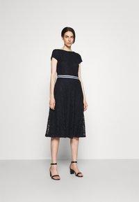 Lauren Ralph Lauren - AMBER SHORT SLEEVE DAY DRESS - Cocktail dress / Party dress - lighthouse navy - 0