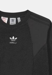 adidas Originals - CREW UNISEX - Forro polar - black - 2