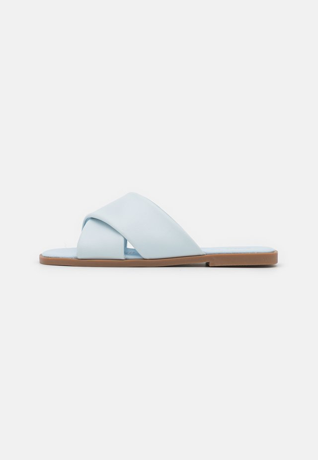 MACEY PADDED CROSSOVER - Muiltjes - pale blue