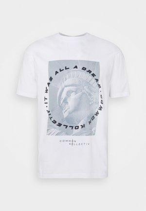 UNISEX LIBERTY TEE - Camiseta estampada - white