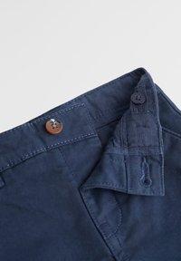 Mango - CHINO7 - Pantaloni - dunkles marineblau - 2
