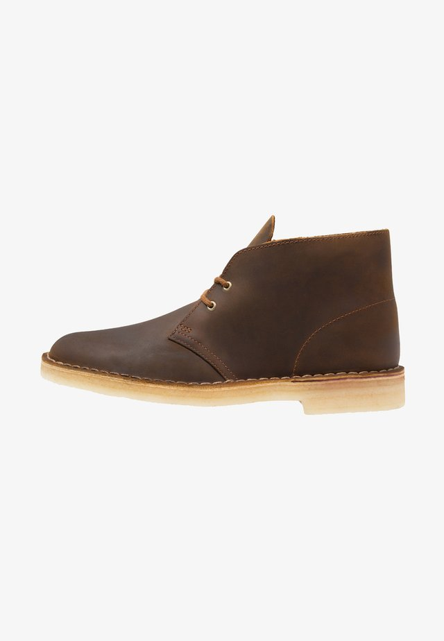 DESERT BOOT - Casual lace-ups - beeswax