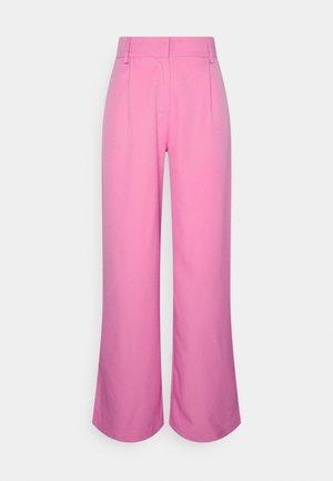YASSERENA WIDE PANTS - Pantalones - fuchsia pink