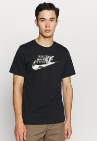 Nike Sportswear - TREND SPIKE - Camiseta estampada - black - 0