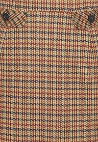 More & More - DRESS SHORT - Sukienka etui - soft caramel multicolor - 2