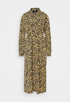PCLESLIE DRESS - Vestido informal - buttercup