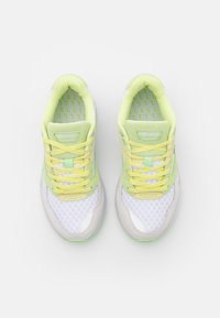 Lacoste - STORM  - Sneakers laag - white/light yellow - 5
