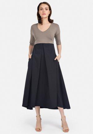Maxi dress - schwarz
