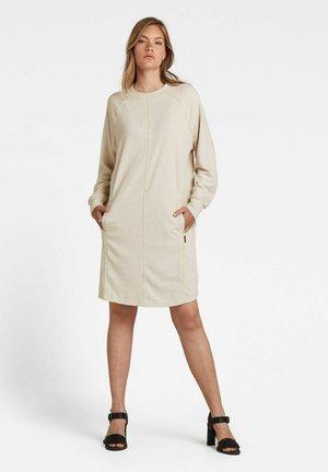 GRAPHIC POCKET TWEATER - Gebreide jurk - ecru
