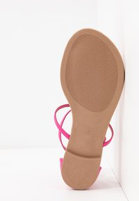 Dorothy Perkins - FLEURS  - T-bar sandals - pink