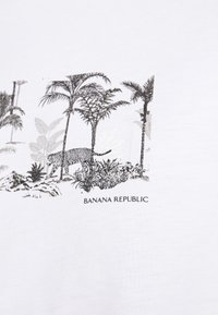 Banana Republic - PALM GRAPHIC TEE - Print T-shirt - white - 4