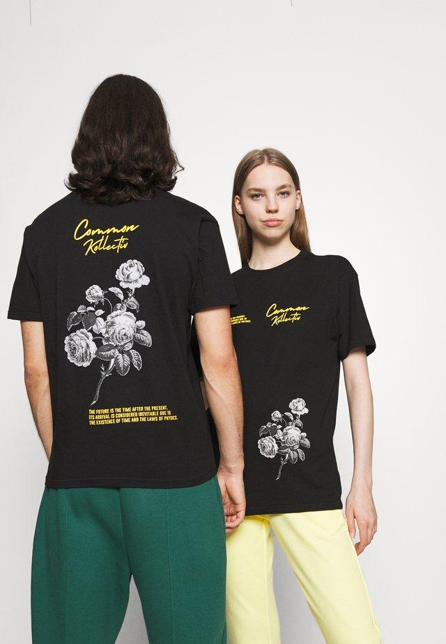 ROSE UNISEX - Print T-shirt - black