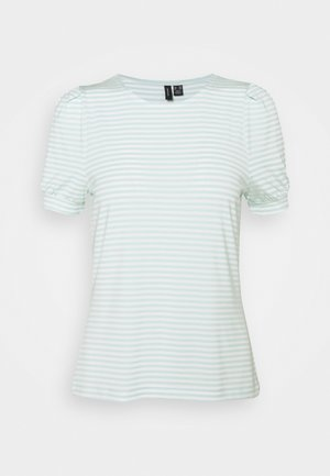 VMKATE TOP PETITE - T-shirt con stampa - icy morn/white stripes