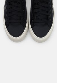 Diesel - DESE S-DESE MID CUT W - High-top trainers - black - 5