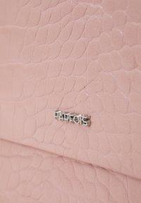 PARFOIS - CROSSBODY BAG HAPPY - Taška spříčným popruhem - pink - 4