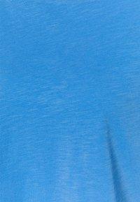 Marc O'Polo DENIM - LONG SLEEVE RAGLAN SLEEVE RELAXED FIT - Long sleeved top - intense blue - 2