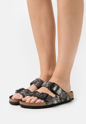 ARIZONA  - Sandalias planas - vintage metallic/black